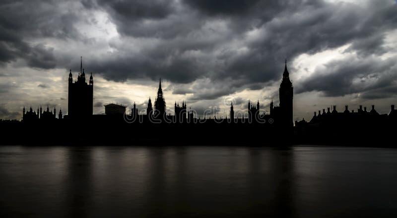 Silueta de Big Ben y casas del parlamento, Londres foto de archivo libre de regalías