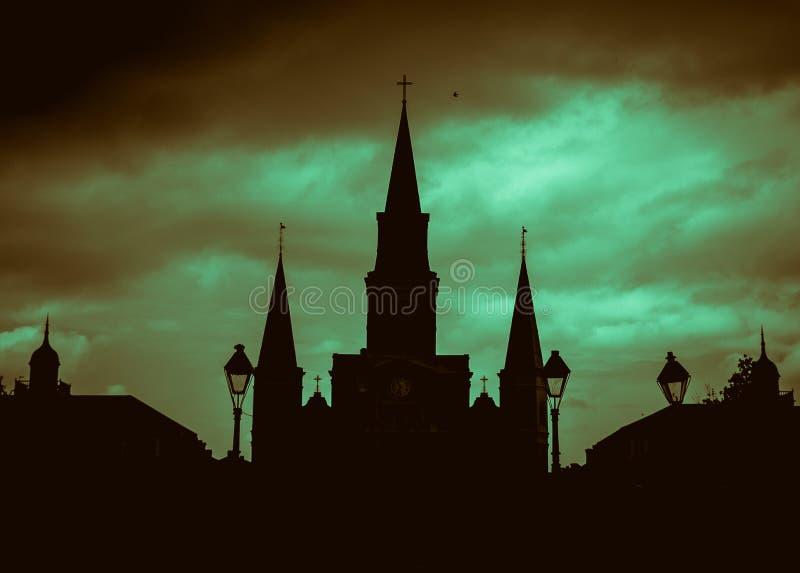 Silueta de New Orleans del santo Louis Cathedral de New Orleans imagenes de archivo