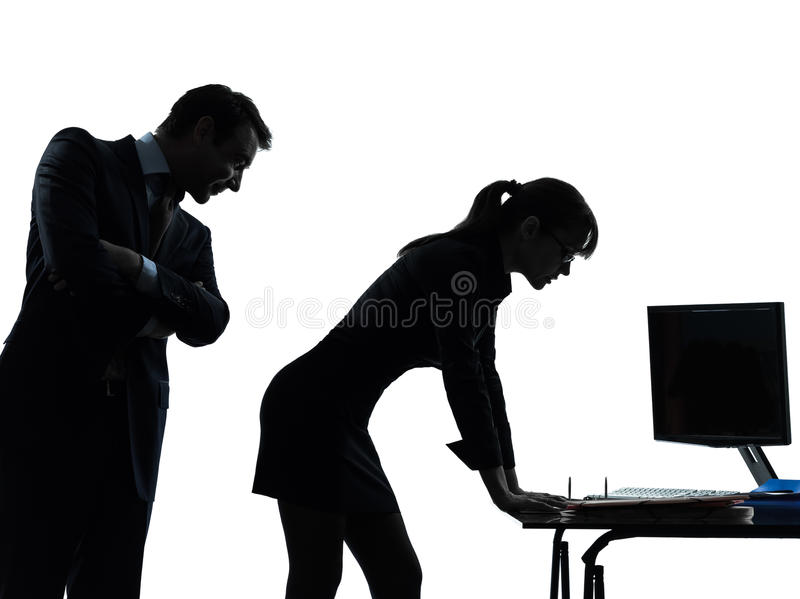 Silueta del acoso sexual de los pares del hombre de la mujer de negocios foto de archivo