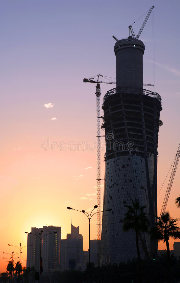 Silueta del edificio de la torre de Doha imágenes de archivo libres de regalías