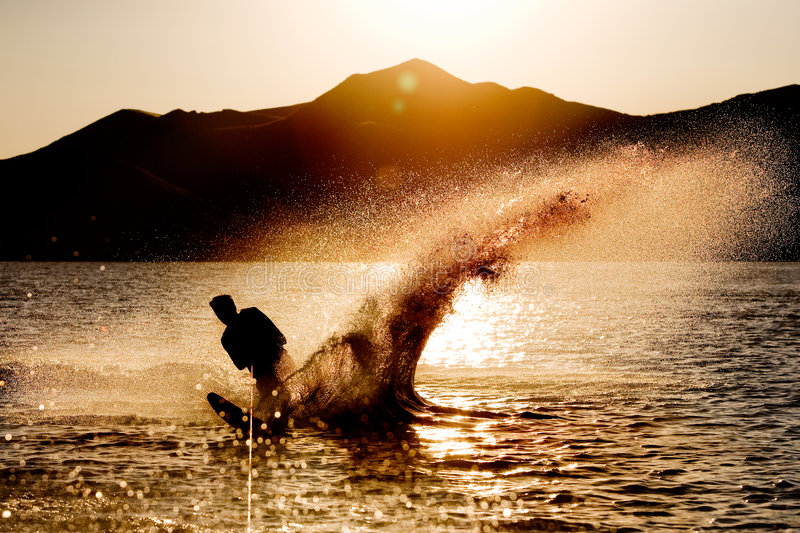 Silueta del esquí de agua foto de archivo libre de regalías