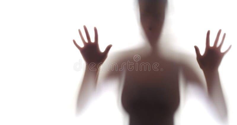 Silueta espeluznante de la mujer foto de archivo libre de regalías