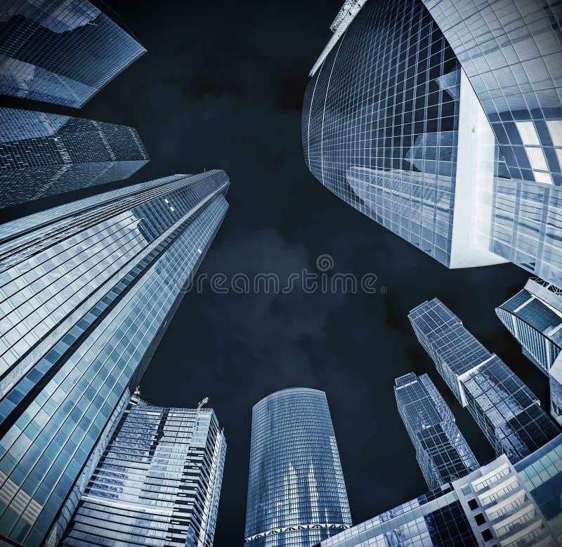 Siluetas de cristal modernas de rascacielos imágenes de archivo libres de regalías