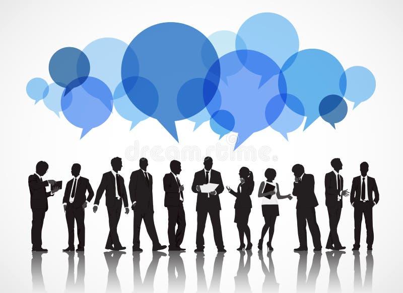 Siluetas de hombres de negocios y de burbujas del discurso stock de ilustración