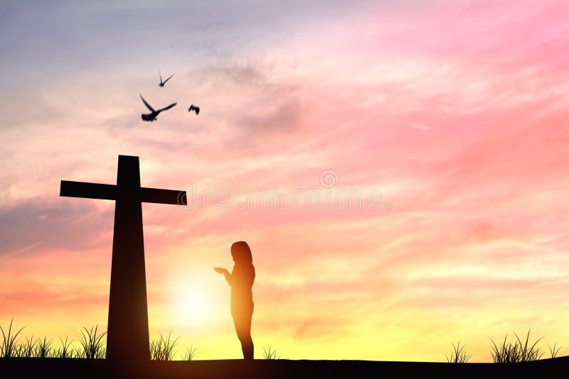 siluetee a la gente que y muestra y puesta del sol cruzadas fotografía de archivo