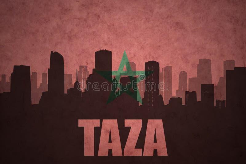 Siluetta astratta della città con testo Taza alla bandiera marocchina d'annata immagini stock