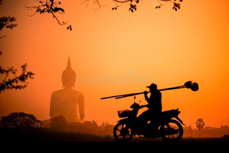Siluetta Buddha fotografia stock