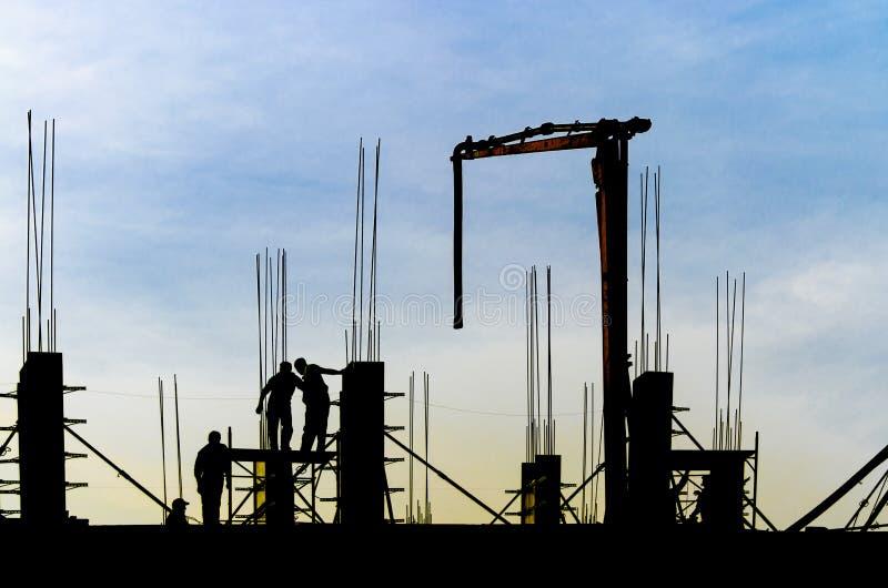 Siluetta del cantiere del grattacielo della costruzione immagini stock libere da diritti