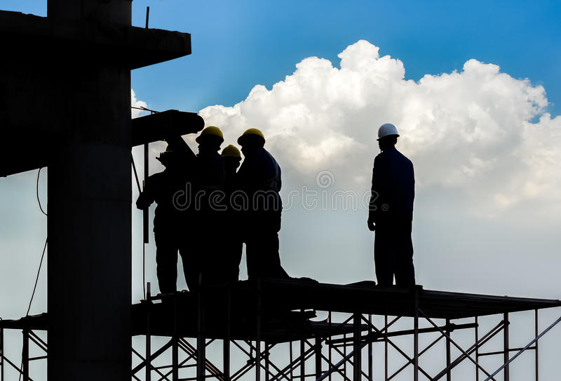 Siluetta del muratore immagine stock libera da diritti