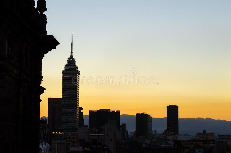 Siluetta dell'orizzonte di Città del Messico immagini stock