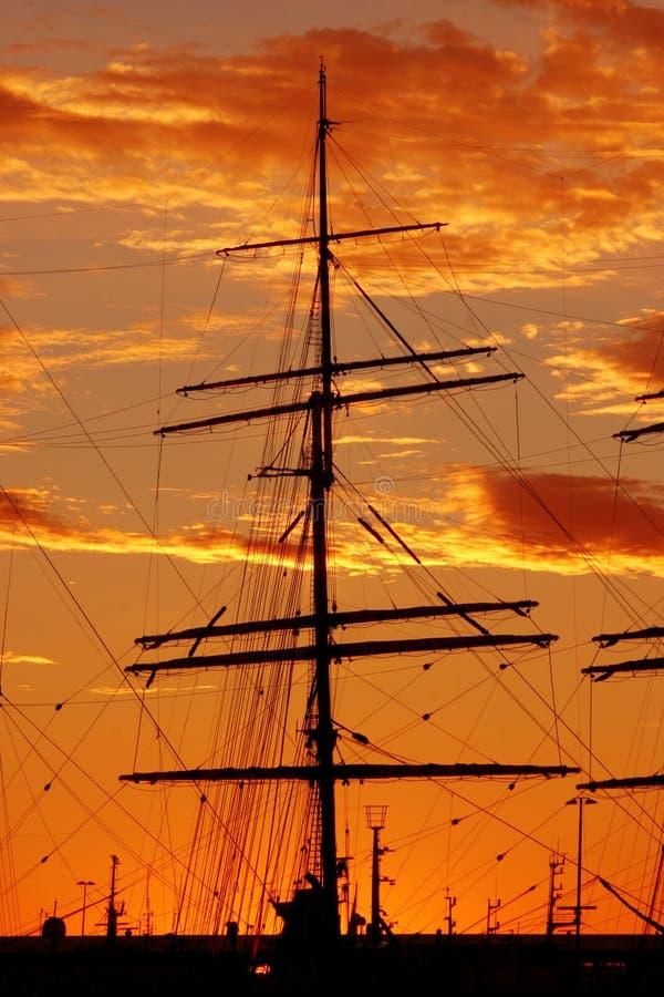 Siluetta della nave fotografia stock libera da diritti