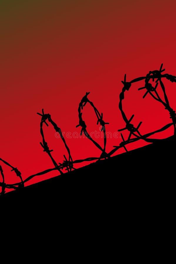 Siluetta della rete fissa della prigione sul cielo rosso di gradiente immagini stock libere da diritti