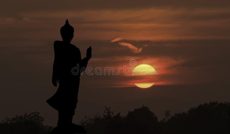 Siluetta della statua di Buddha immagine stock libera da diritti