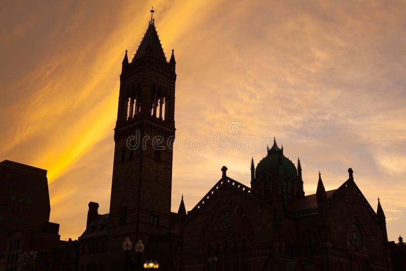 Siluetta di vecchia chiesa del sud a Boston, Massachusetts, U.S.A. fotografie stock libere da diritti