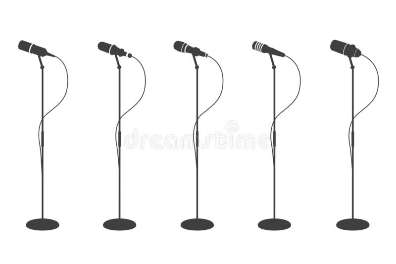 Siluette del microfono Audio attrezzatura stante dei microfoni Raccolta isolata vettore di mics di musica di karaoke e di concett illustrazione di stock