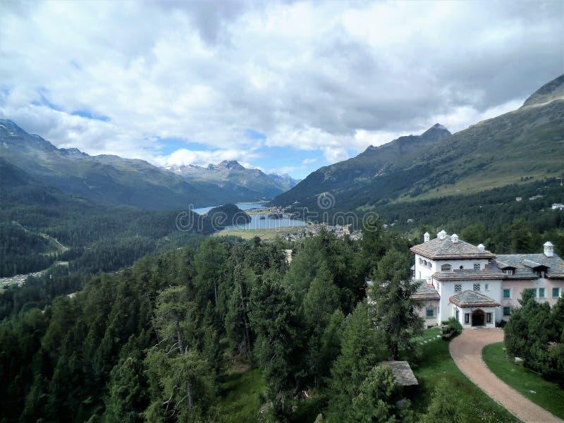 Silvaplana et lac Silvaplanersee, Suisse image libre de droits