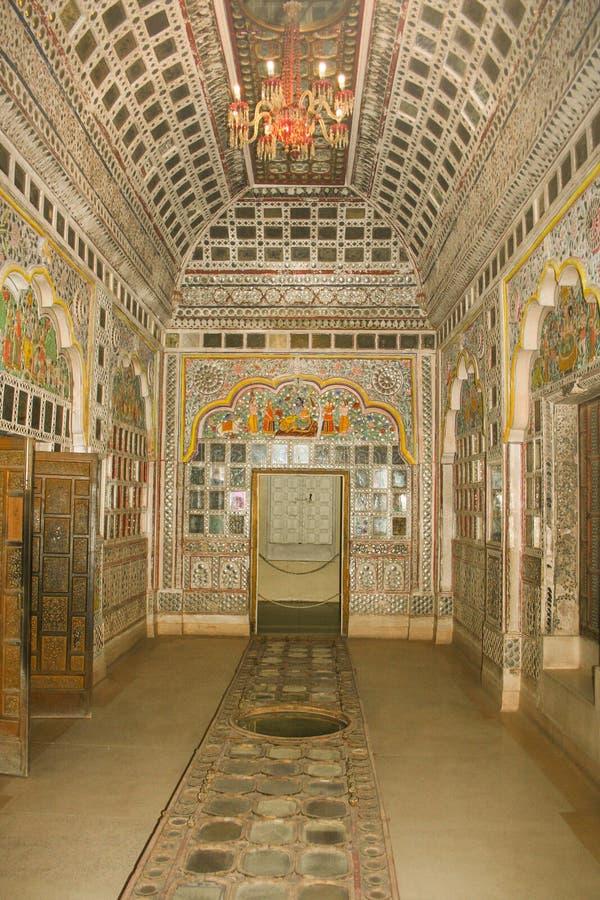 Silver belade med tegel rum av det Mehrangarh fortet arkivbilder