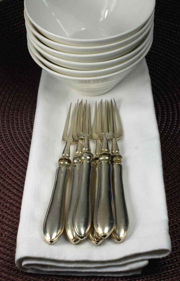 Free Silver Forks, Porcelaine Bowls And Napkins Stock Photography - 13008022