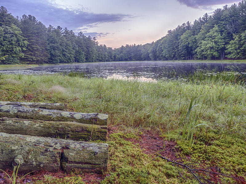 Download Silver Lake En Sullivan County Photo stock - Image du matin, nuages: 76075916