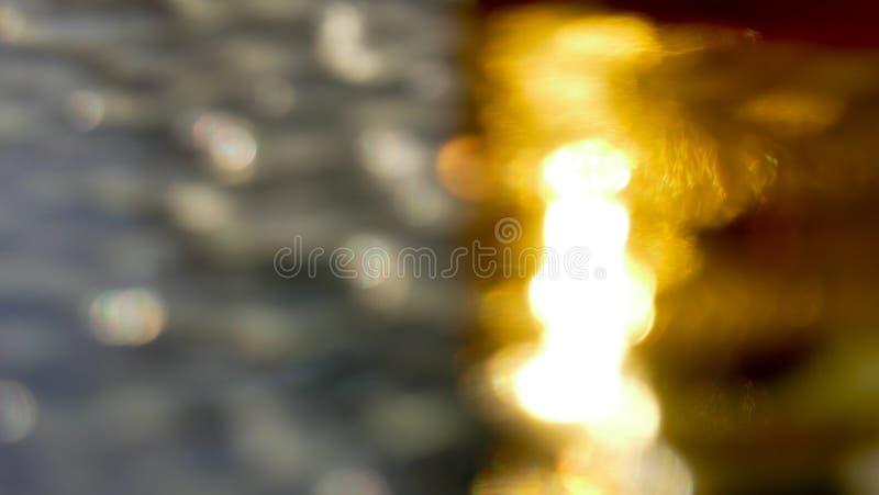 Silver- och guldbakgrund arkivbilder