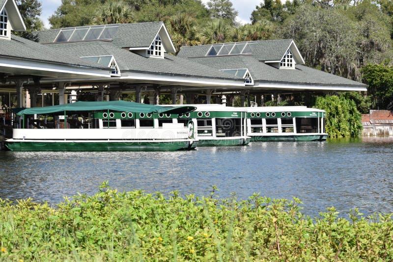 Silver Springs Florida exponeringsglas bottnade fartyg arkivfoton