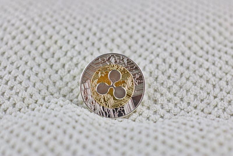 Silverkrusningsmynt royaltyfri bild