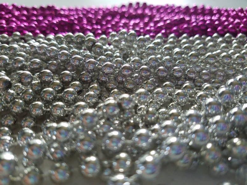 Silverpärlor royaltyfri bild