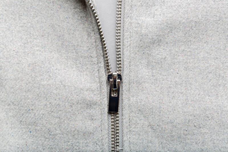 Silvervinande på woolen tyg royaltyfria foton