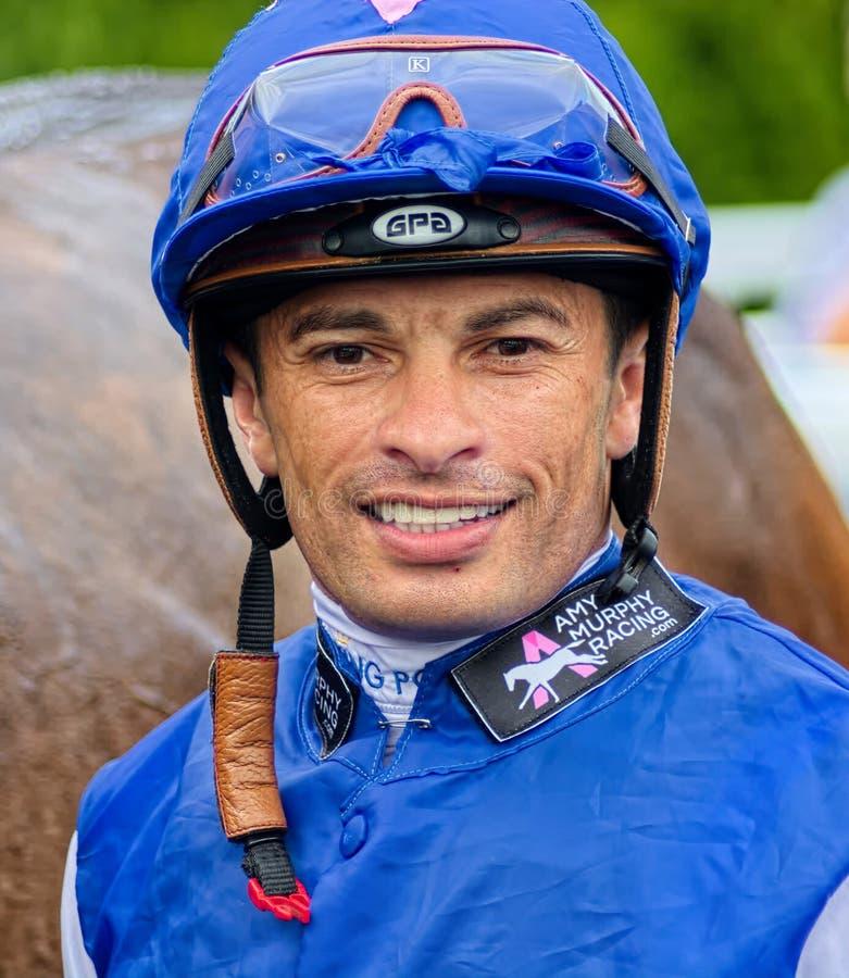 Silvestre De Sousa Jóquei do campeão da corrida de cavalos imagem de stock royalty free