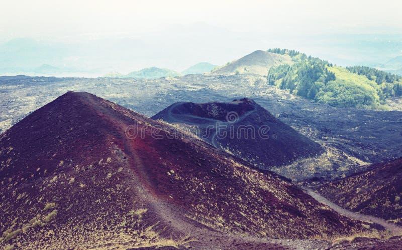 Silvestri krater av Mount Etna, aktiv vulkan p? ostkusten av Sicilien, Italien arkivbild