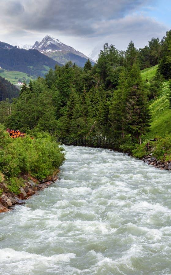 Silvretta-Alpen Gebirgsfluss, Österreich lizenzfreie stockfotografie