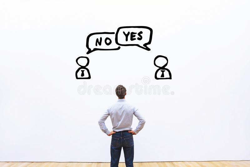 Sim contra o conceito nenhum, da negociação, do diálogo ou da disputa imagem de stock