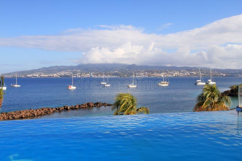 Simbassäng på Pointe du Anfall - Trois-Ilets - Martinique royaltyfria bilder