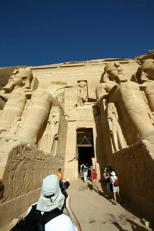 Download Simbel d'Abu photo stock. Image du moyen, construction - 732364