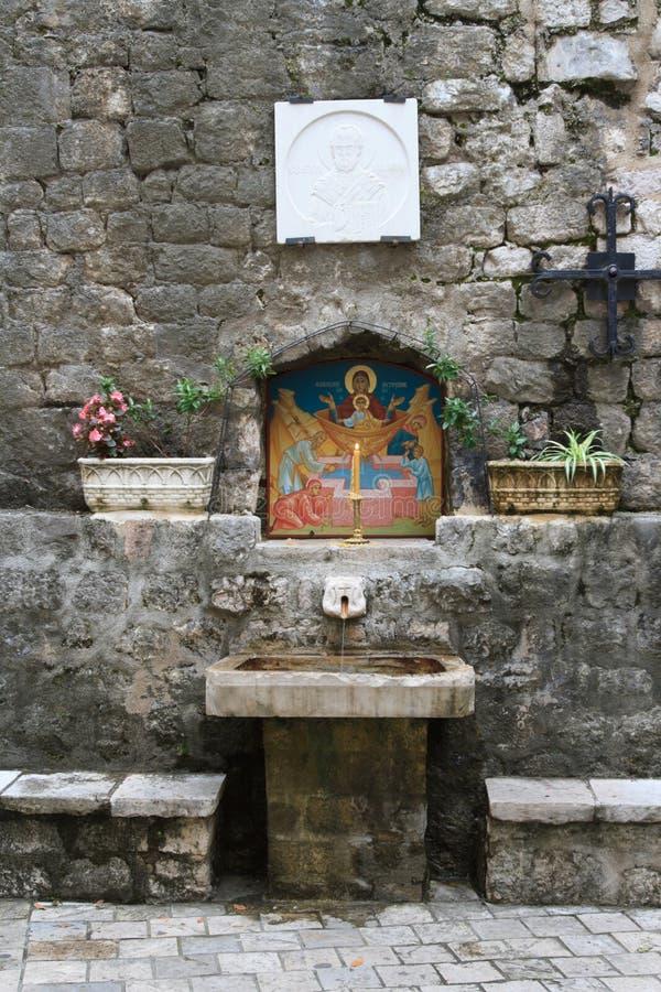 Simboli religiosi della chiesa ortodossa nella città di Cattaro fotografia stock