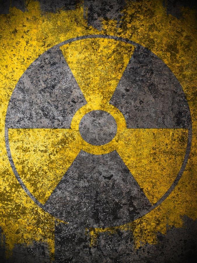simbolo d'avvertimento nucleare giallo fotografie stock libere da diritti