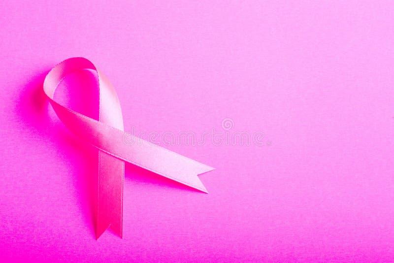 Simbolo del segno di rosa di consapevolezza del cancro al seno fotografie stock libere da diritti