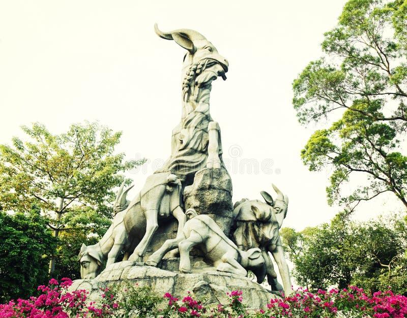 Simbolo della città di Canton, punto di riferimento di Canton, una statua di cinque capre fotografia stock libera da diritti