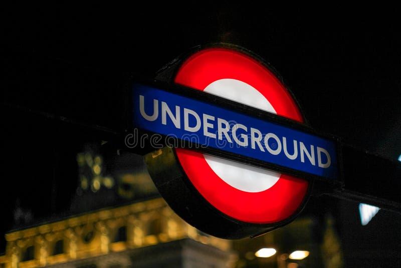 Simbolo di Londra sotterranea fotografia stock libera da diritti