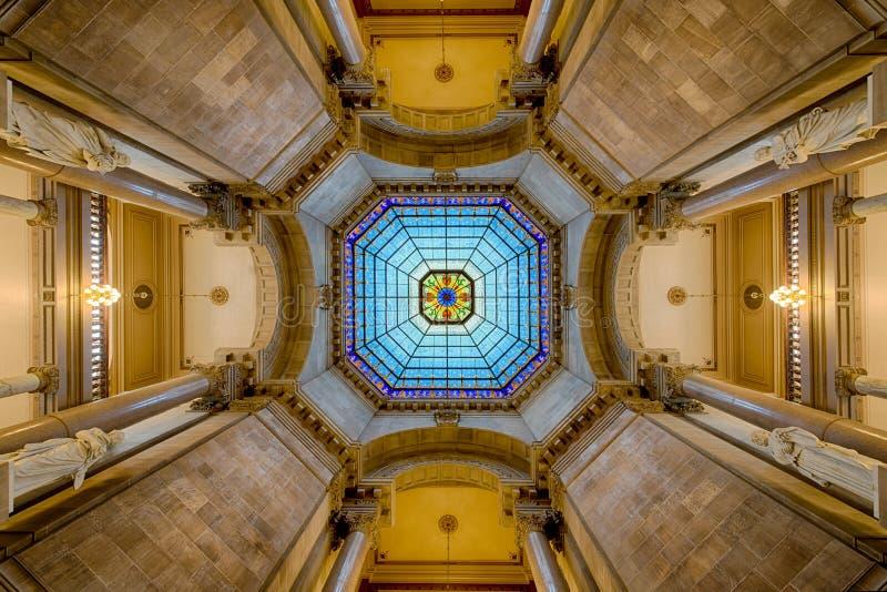 Simetria do interior da abóbada do Capitólio fotos de stock