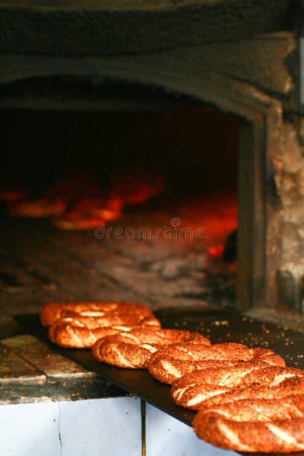 Simit bij bakkerij stock afbeelding