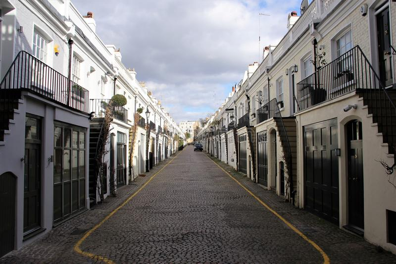 Simmetria ideale di una via a Londra fotografia stock libera da diritti