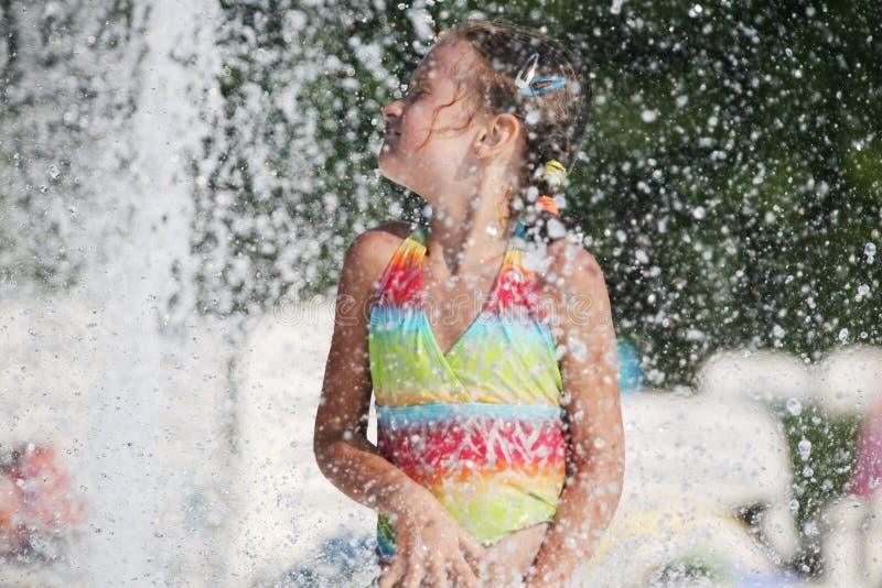 simning för dagpölsommar royaltyfri fotografi