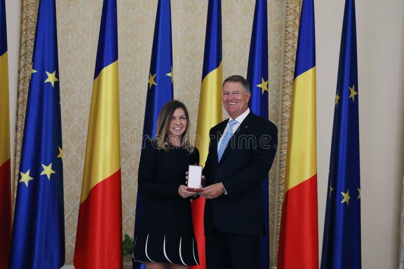 Simona Halep και Klaus Iohannis στοκ εικόνες