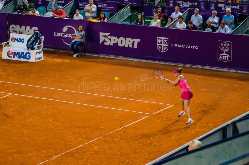 Simona Halep dans le tournoi de tennis ouvert de Bucarest images stock