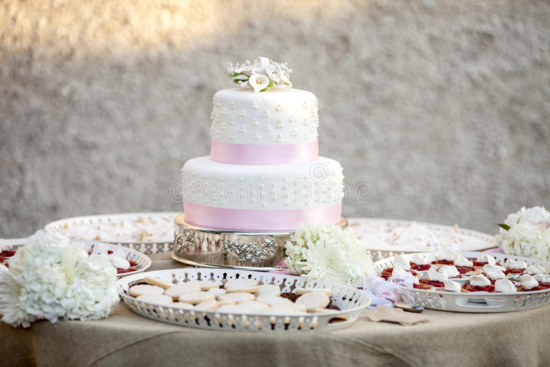 Simple Two Tier Wedding Cake Stock Photo - Image of food, decorate ...