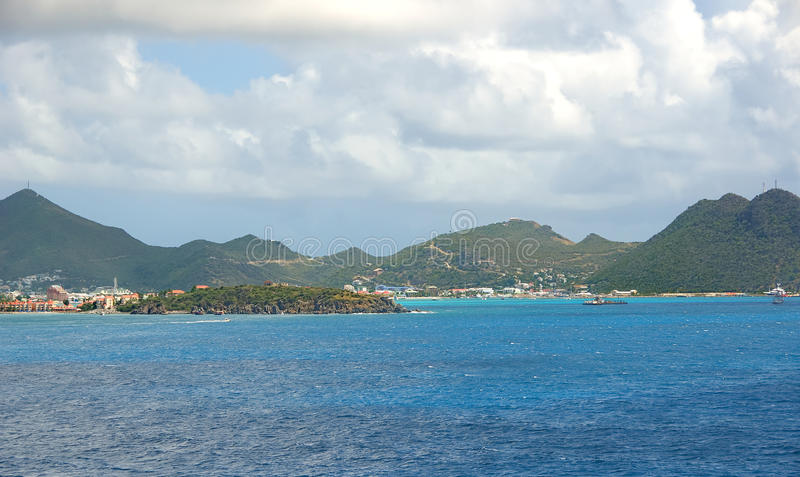 Simpson-Baai en Grote Baai - Philipsburg Sint Maarten - Caraïbisch tropisch eiland stock foto's