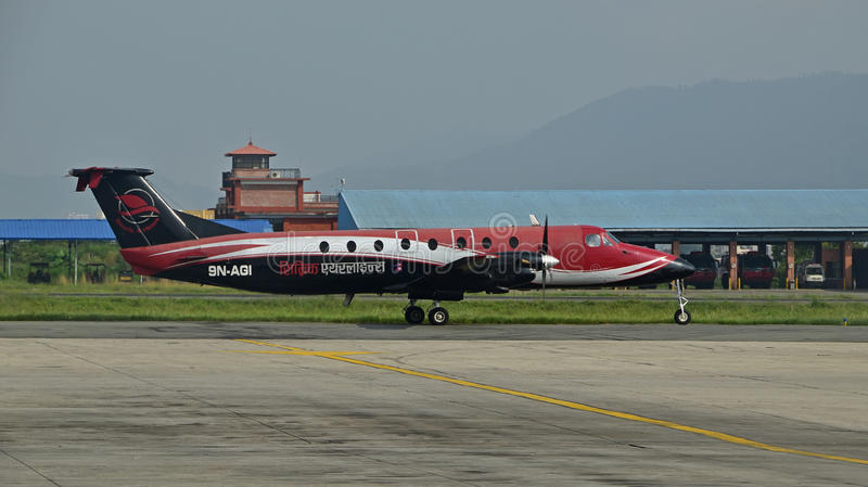 Simrik-Fluglinien an internationalem Flughafen Nepals Tribhuvan stockbilder