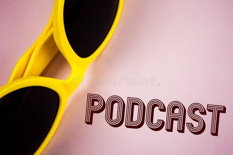 Simsen Sie das Zeichen, das Podcast Begriffsfoto on-line-Mediengetriebe Multimediaunterhaltung Digital-Audio zeigt, das auf einfa lizenzfreie stockbilder