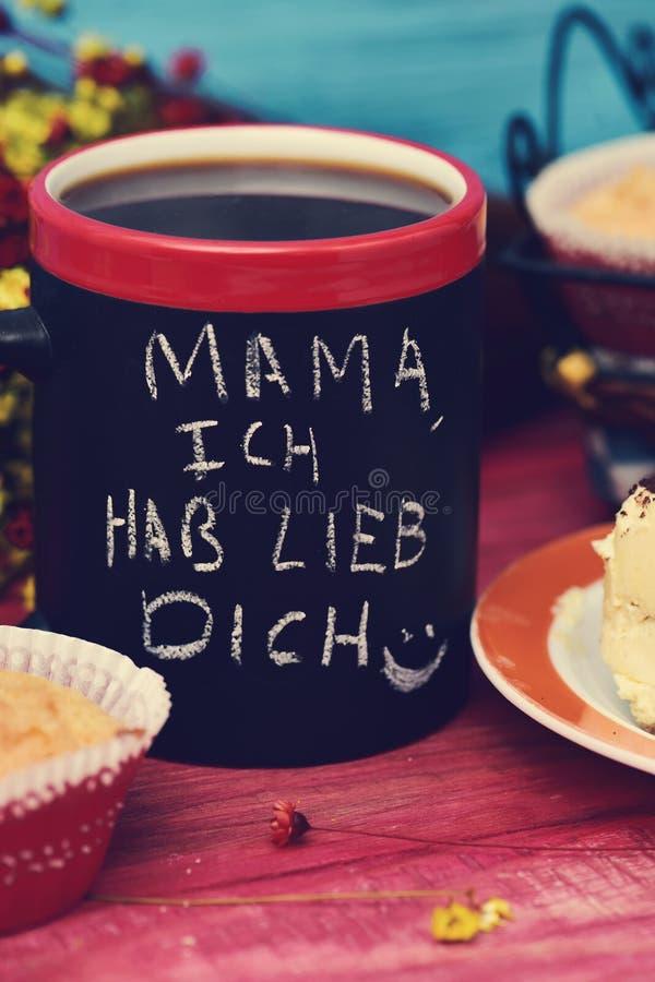 Simsen Sie Mutter ich hab lieb dich, ich liebe dich Mutter auf Deutsch stockfoto